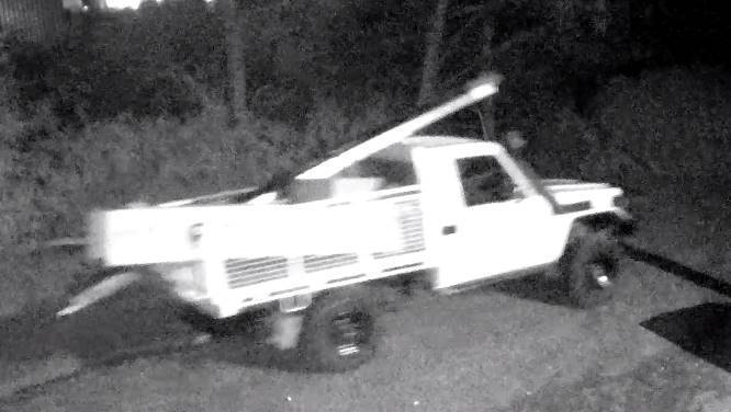 Photo of Toyota Land Cruiser ute seen leaving Clarence City Council yard following burglary on 15 August 2018